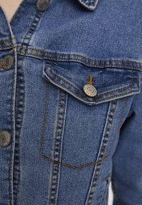 PULL&BEAR - Veste en jean - light blue - 5