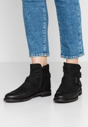 CHARMER - Kovbojské/motorkářské boty - indigo/black