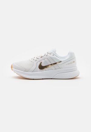 RUN SWIFT 2 - Zapatillas de running neutras - platinum tint/metallic gold star/white/light brown