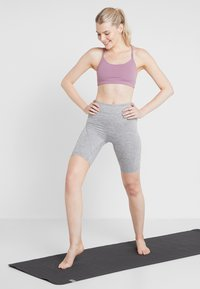Cotton On Body - WORKOUT YOGA CROP - Sujetador deportivo - mauve - 1