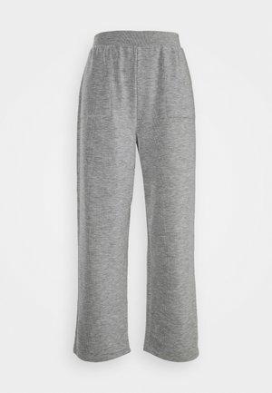 ONLDENISE LOUNGE PANT - Teplákové kalhoty - light grey melange