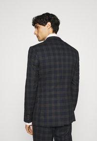 Ben Sherman Tailoring - CHECK SUIT - Kostym - navy - 3