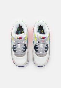 Nike Sportswear - AIR MAX 90 EOI UNISEX - Trainers - pearl grey/sport turquoise/summit white/black - 3