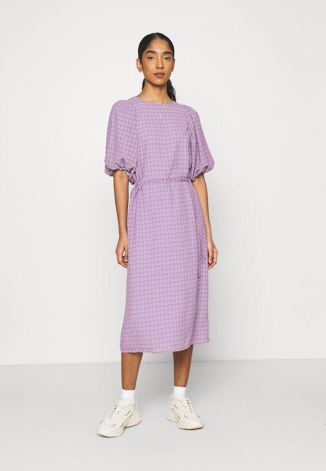 TESSA DRESS - Korte jurk - purple