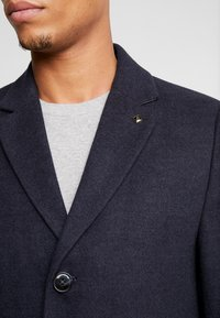 Burton Menswear London - FAUX CROMBI - Zimní kabát - navy - 6