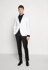 KARL LAGERFELD - MODERN FIT - Formal shirt - black - 1