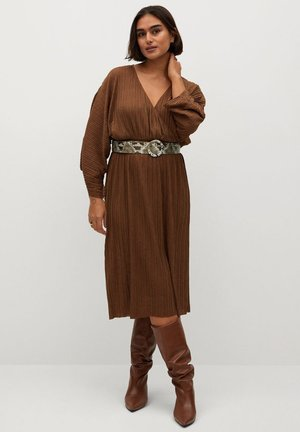 TOFFE - Day dress - caramel