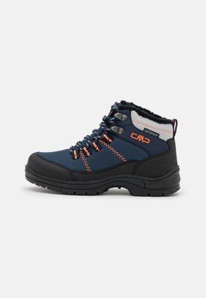 KIDS ANNUUK WP UNISEX - Winter boots - black/blue