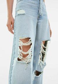 Bershka - Jeansy Straight Leg - light blue - 3
