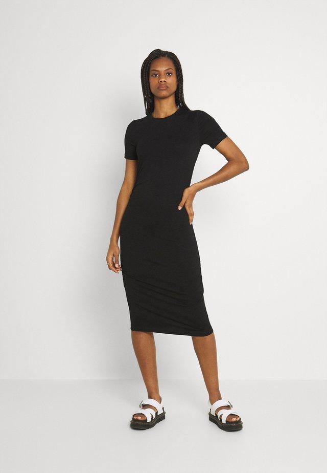 BEALA - Žerzejové šaty - black