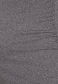 Anna Field MAMA - Langærmede T-shirts - grey - 2