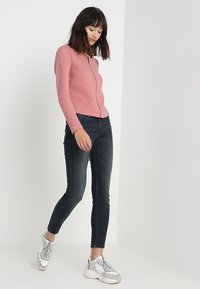 Vila - VINAJA NEW SHORT JACKET - Lehká bunda - ash rose - 1