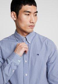 Scotch & Soda - CRISPY REGULAR FIT BUTTON DOWN COLLAR - Shirt - light blue - 3
