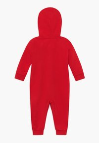 Levi's® - PLAY ALL DAY COVERALL - Jumpsuit - super red - 1