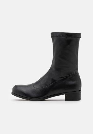 CANNON - Kotníkové boty - black