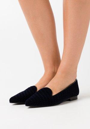 POINTY - Nazouvací boty - blue seceno