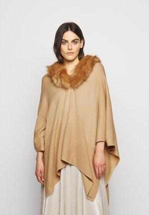 RUANA - Kapper - classic camel