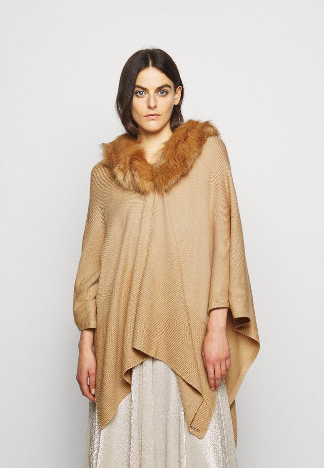 RUANA - Mantella - classic camel