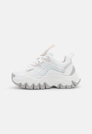 VEGAN TRAIL ONE - Sneakers laag - white