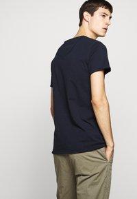 DRYKORN - KENDRICK - T-shirt - bas - navy - 5