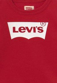 Levi's® - BATWING CREWNECK - Sweatshirt - levi's red/white - 3