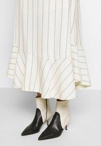 Won Hundred - MAIKEN - Pencil skirt - seedpearl - 4