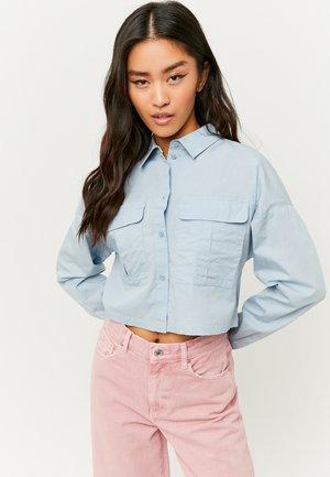 MIT KNÖPFE - Button-down blouse - blue