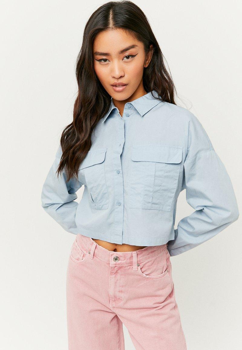 TALLY WEiJL - MIT KNÖPFE - Button-down blouse - blue