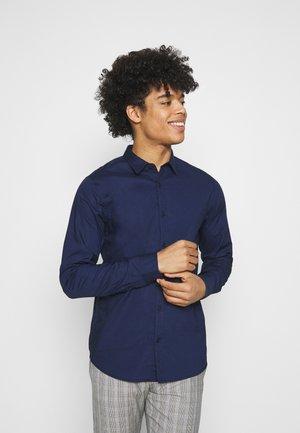 REGULAR FIT TONAL CHEST - Overhemd - night