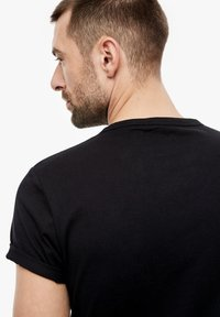 s.Oliver - Basic T-shirt - black - 4