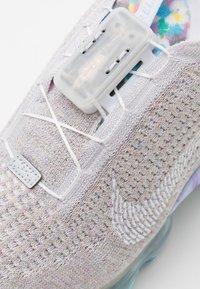 Nike Sportswear - AIR VAPORMAX 2020 FK UNISEX - Sneakers - white/summit white - 7