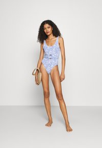 Cotton On Body - SCOOP NECK BELTED ONE PIECE BRAZILIAN - Swimsuit - dark blue - 1
