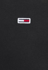 Tommy Jeans - REGULAR C NECK - Collegepaita - black - 6