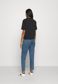Gina Tricot - DAGNY MOM  - Relaxed fit jeans - mid blue - 2