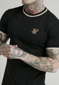 SIKSILK - Print T-shirt - black - 4