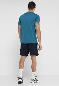 adidas Performance - CHELSEA ESSENTIALS PRIMEGREEN SPORT SHORTS - Korte broeken - legend ink/white - 2