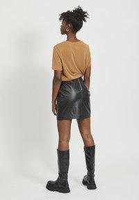 Object - OBJCHLOE SKIRT - Leather skirt - black - 2