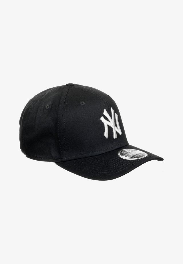 NEW YORK YANKEES - Lippalakki - black