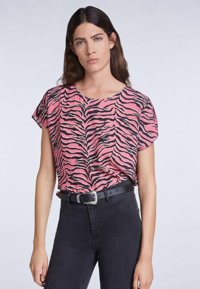MIT ANIMALPRINT - Blouse - pink grey