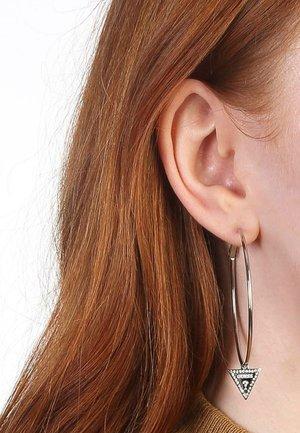 Earrings - staal