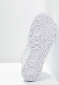 Nike Sportswear - AIR FORCE 1 '07 - Sneakersy wysokie - white - 4