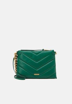 EDIE MAXI CROSSBODY - Handväska - emerald