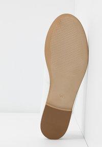 Esprit - MOALA BASIC - Ballet pumps - white - 6