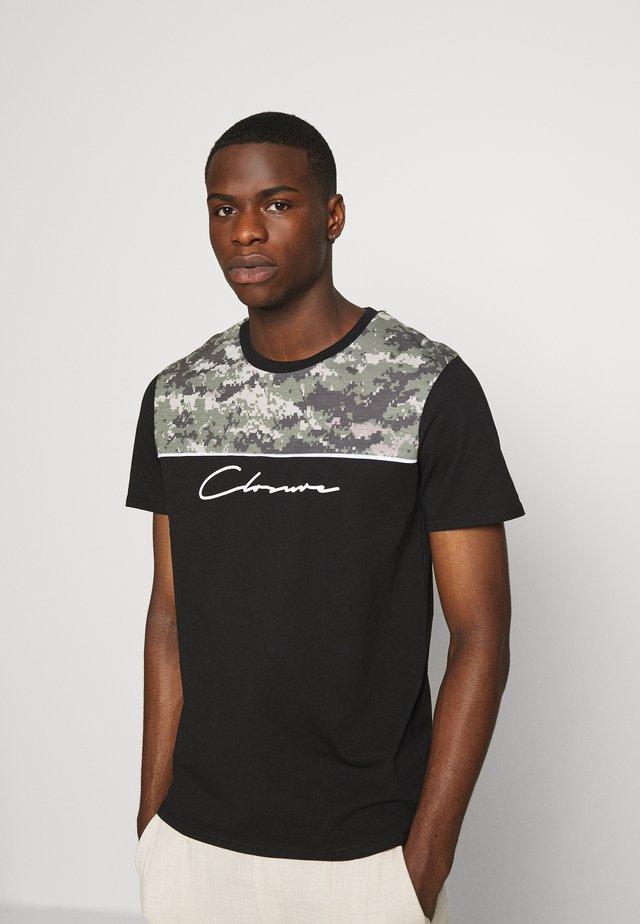 CAMO CUT TEE - Print T-shirt - black