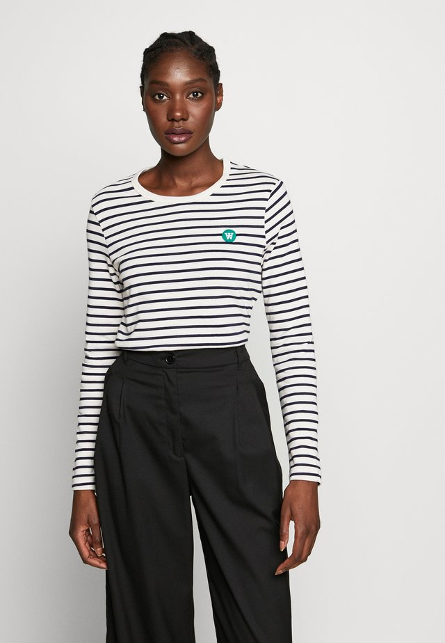 MOA LONG SLEEVE  - Langarmshirt - off-white/navy stripes