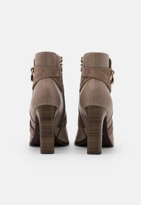 Tamaris Heart & Sole - BOOTS - High heeled ankle boots - taupe - 3