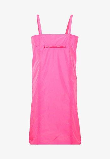 SABRINA DRESS - Kjole - pink