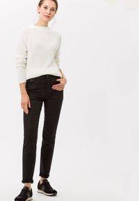 BRAX - Jeans Skinny Fit - clean black - 1