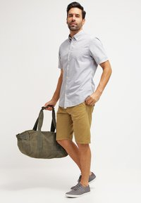 INDICODE JEANS - ROYCE - Shorts - amber - 1