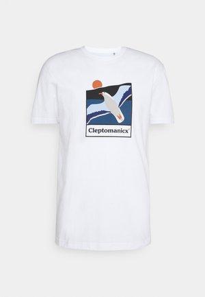 SAVE THEM - Print T-shirt - white